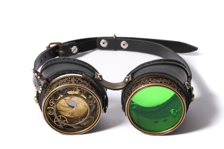 Extraordinary Steampunk Goggles with Incredible Lenses