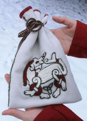 VIKING POUCH WITH A RINGERIKE BEAST